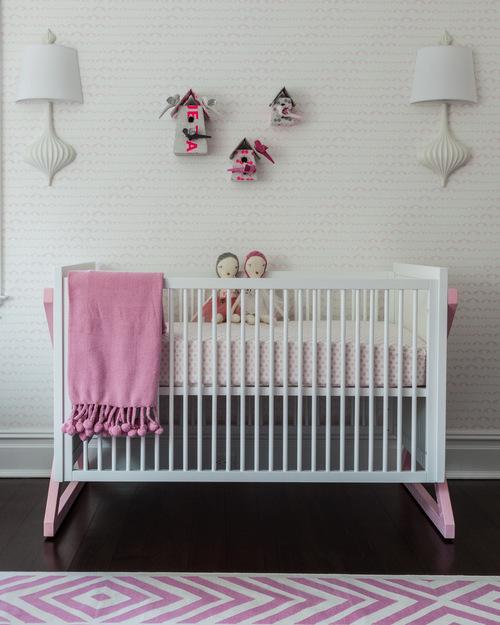 Papel pintado en habitación infantil