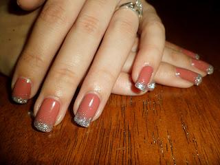 Gelish Exhale plus silver glitter fade