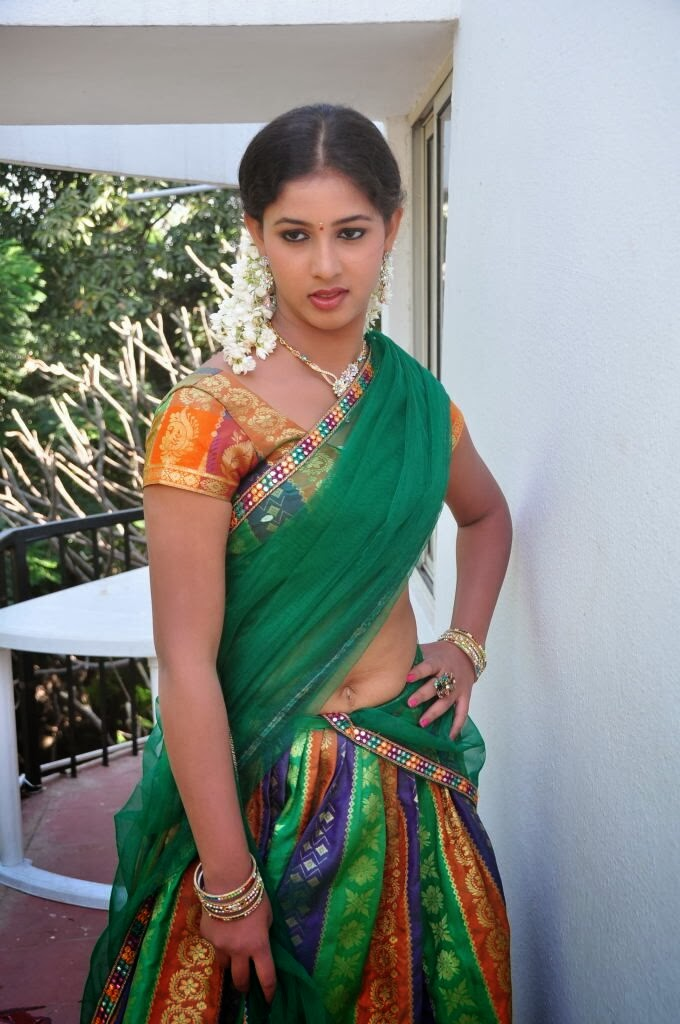 greeshma hot photos in half saree at oka choopuke padipoya