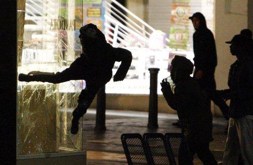 foto-kerusuhan-london-inggris-2011-01