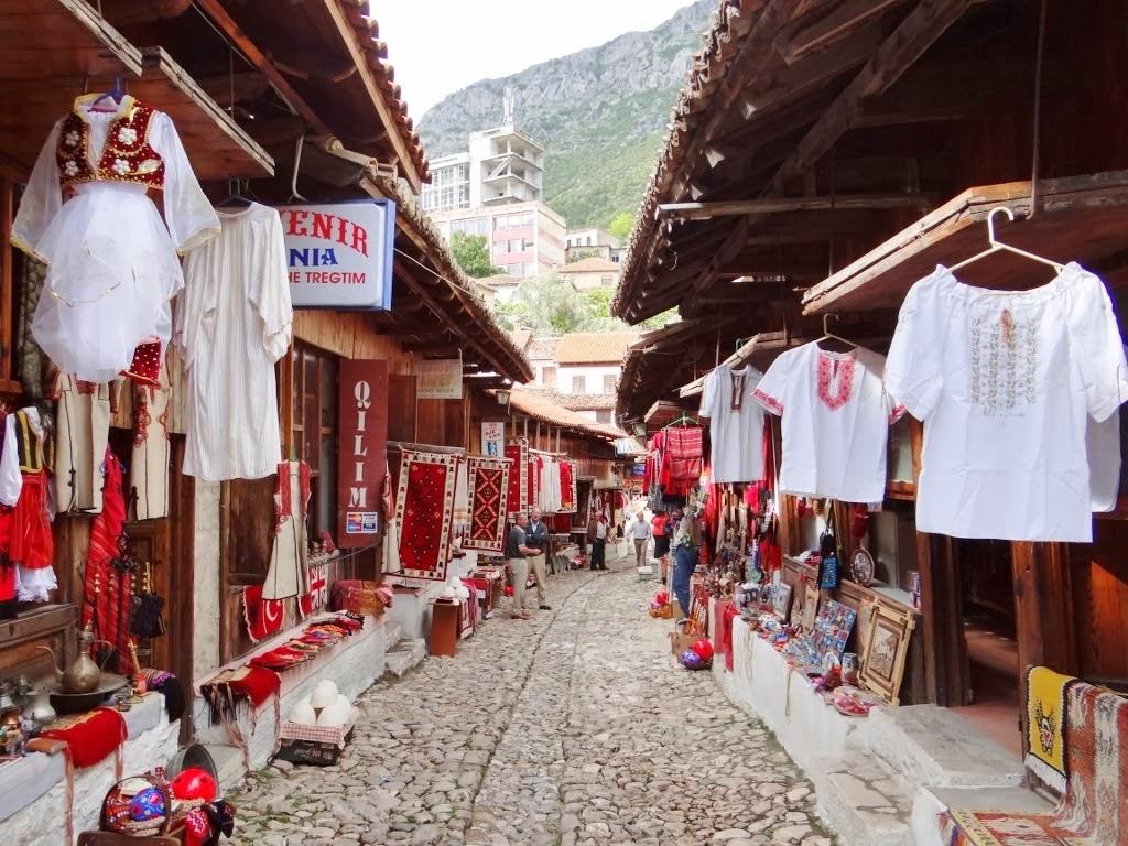 Bazar w Albanii