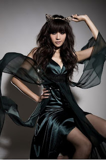 Lee Hyori  beautiful Korean girl Devil body 3