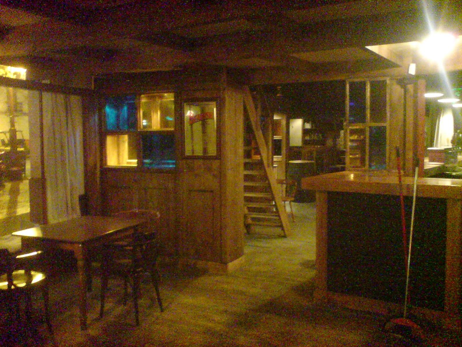 Carpinter a garc a lagares nuestros trabajos for Bar madera sevilla
