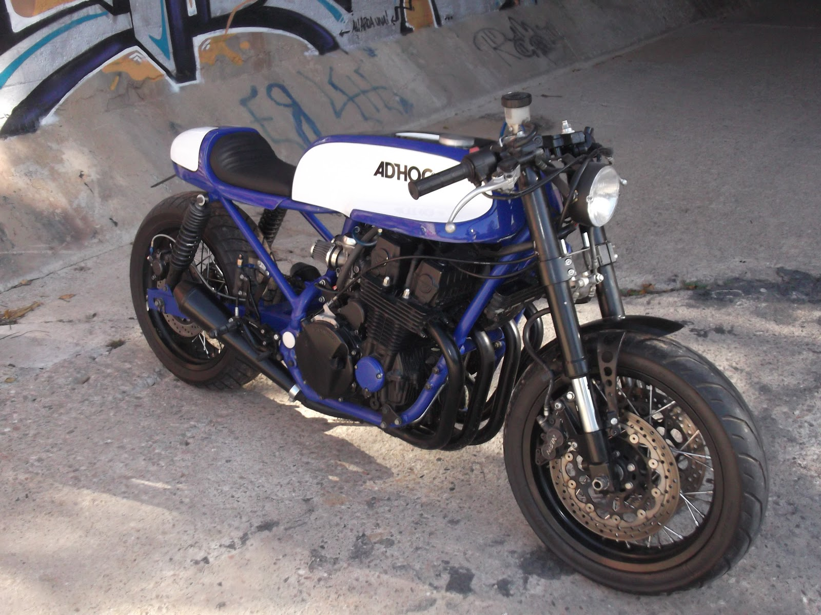 racing cafe honda cb  nighthawk   ad hoc cafe racers