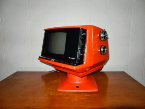 VINTAGE 1970s Sharp TV ORANGE! FIY or Display it!