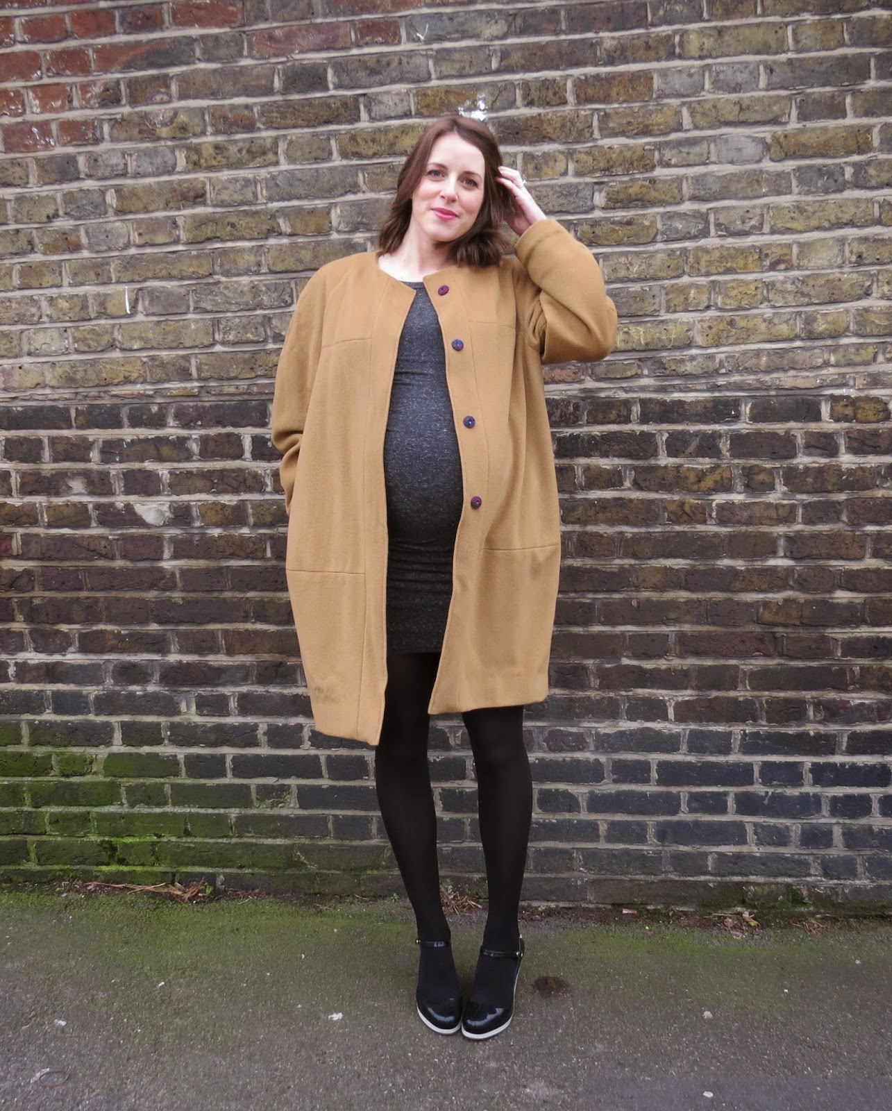 01392c610f A round belly and a round cocoon coat