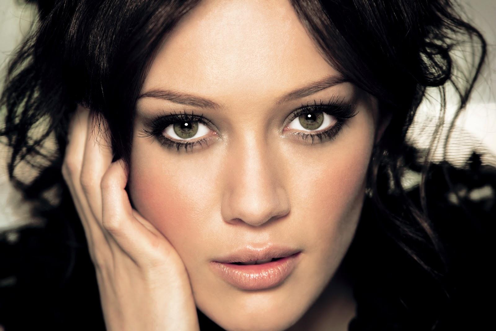 http://4.bp.blogspot.com/-KwGj1E8a1ec/Tyj9hMvLu5I/AAAAAAAAAW0/-RpOueVRVCY/s1600/Cute+Hilary+Duff.jpg