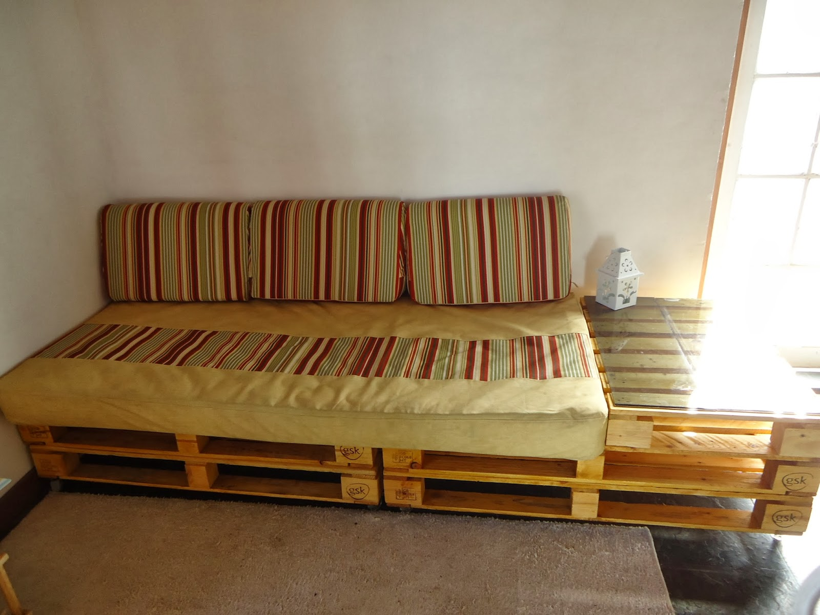 Casa com pallet novembro 2013 for Sofa reciclado