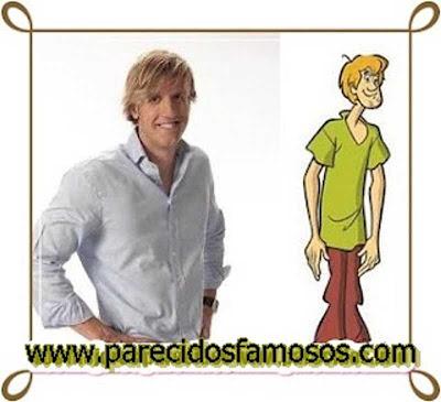 Oscar Martinez con Shaggy de Scooby Doo