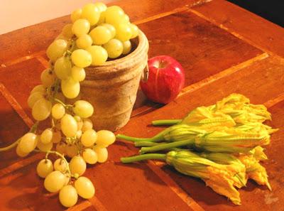 bodegon-uvas-flores