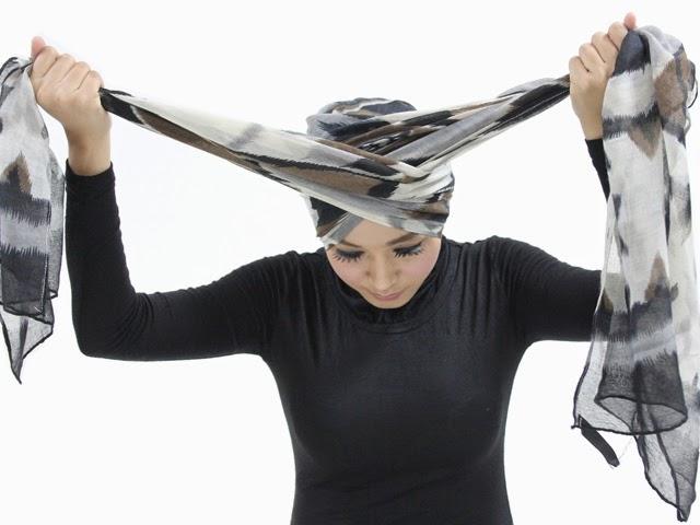 Cara Memakai Jilbab Turban Sederhana