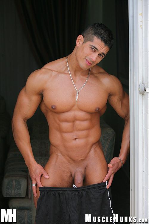 bodybuilder escort gay bacheka escort