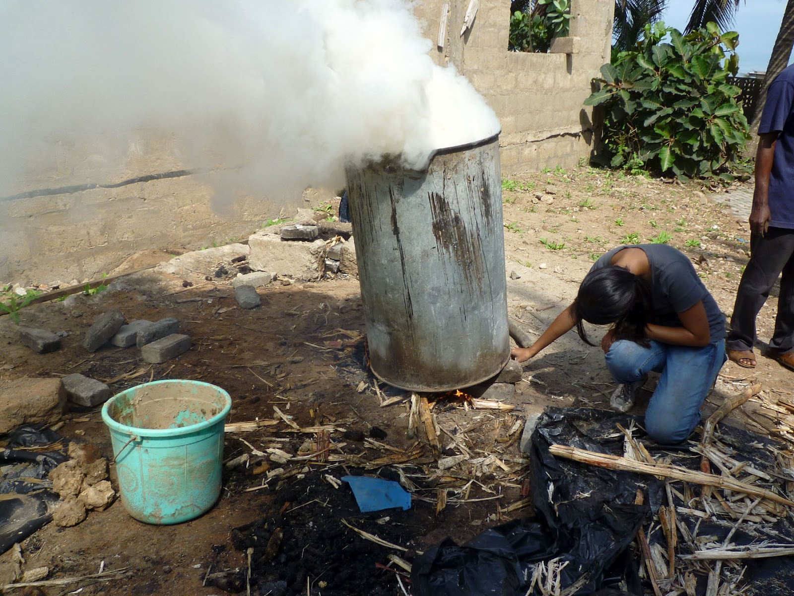 how to put out charcoal briquettes