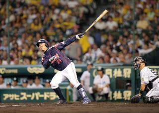 4回2死一、三塁、館山は左越え3ラン本塁打を放った