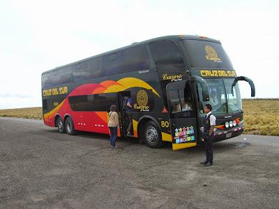 Autobús Cruz del Sur, Perú, La vuelta al mundo de Asun y Ricardo, round the world, mundoporlibre.com