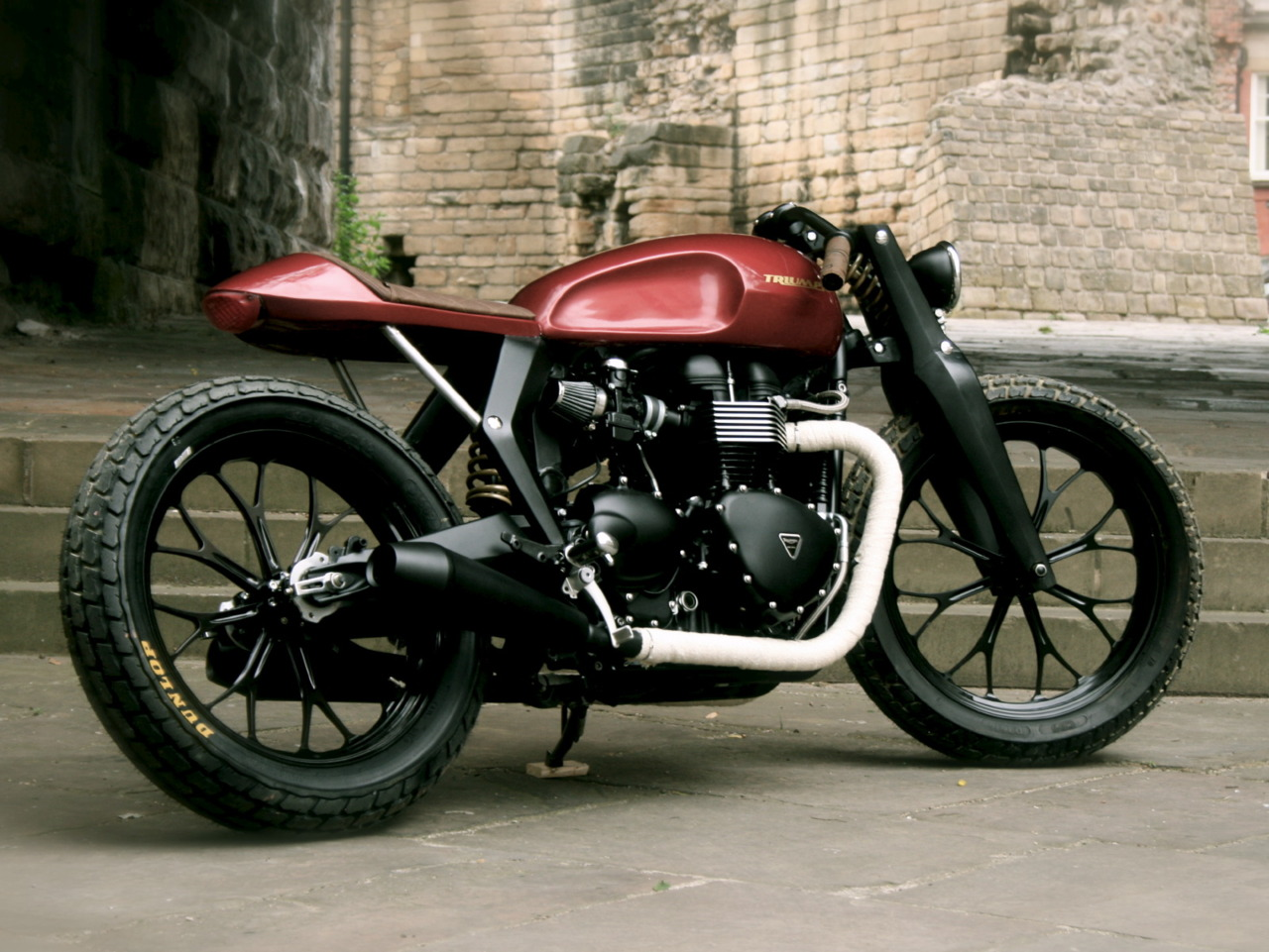 Honda Cb750 Nighthawk Cafe Racer besides Black And Copper 550 Custom Built Motorcycle as well Bmw R90 Bobber By Spirit Lake Cycles together with 1976 Honda Cb750 Supersport Ruby Red also 2014 02 01 archive. on kottmotorcycles