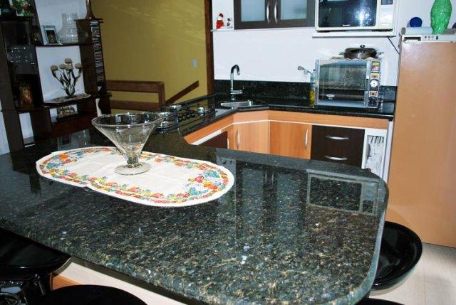 mesa granito verde ubatuba