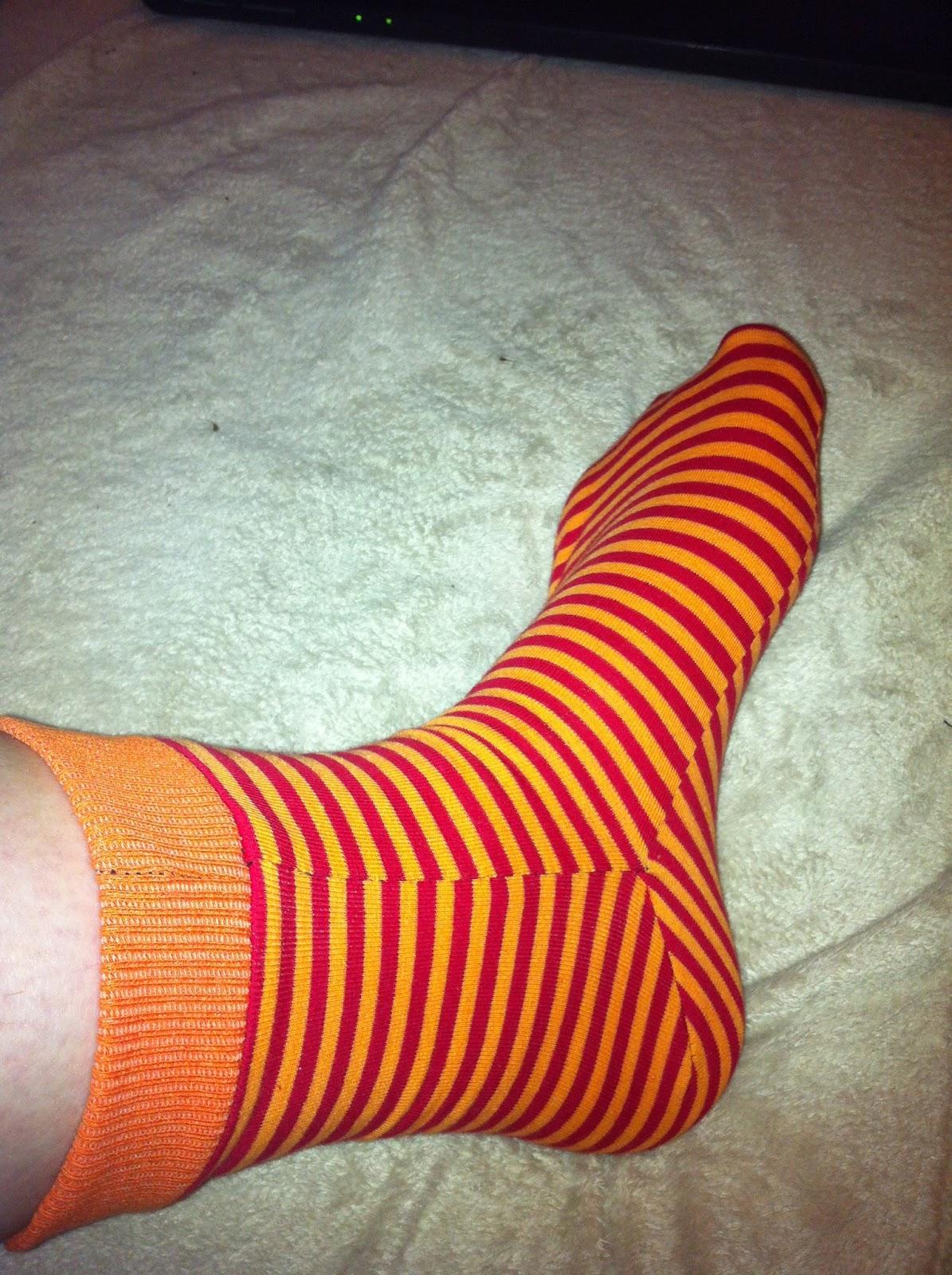 Mitch Kunterbuntes Chaos: Sockenschnittmuster Größe 38-45 für ...