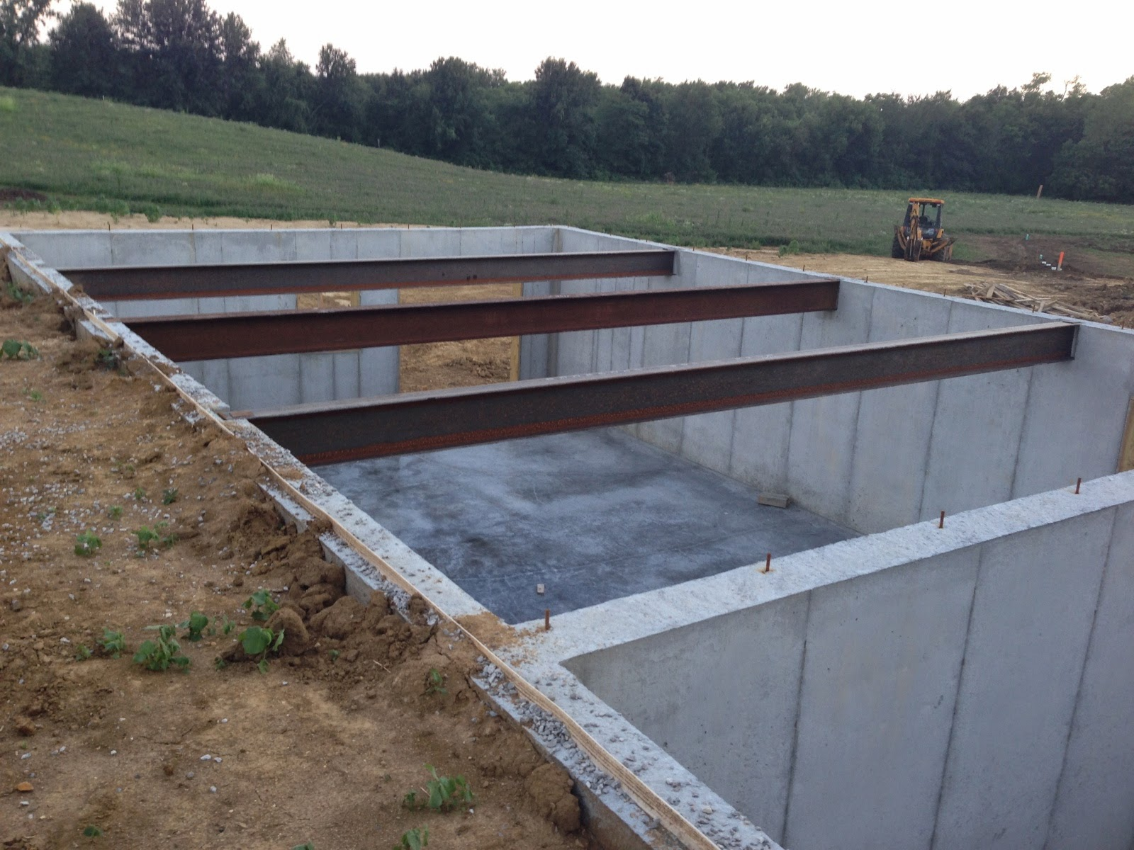 Building beyeler hollow july 2014 for Suspended concrete floor