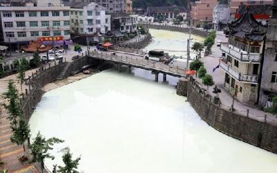 Di Cina Ada Sungai Susu? [ www.BlogApaAja.com ]