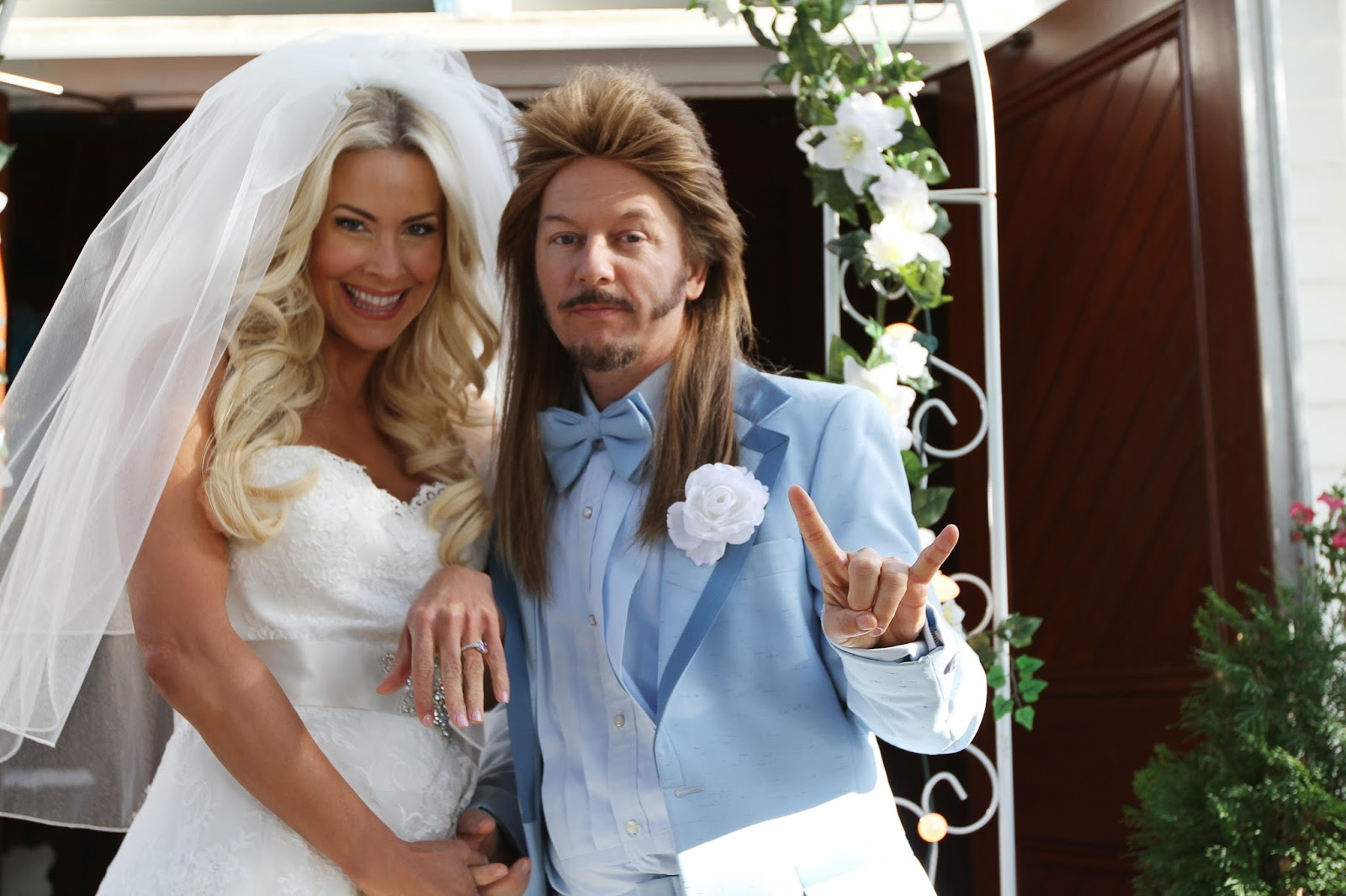 Laura steele tom griswold wedding - Joe Dirt 2 Beatiful Loser Preview Hd David Spade