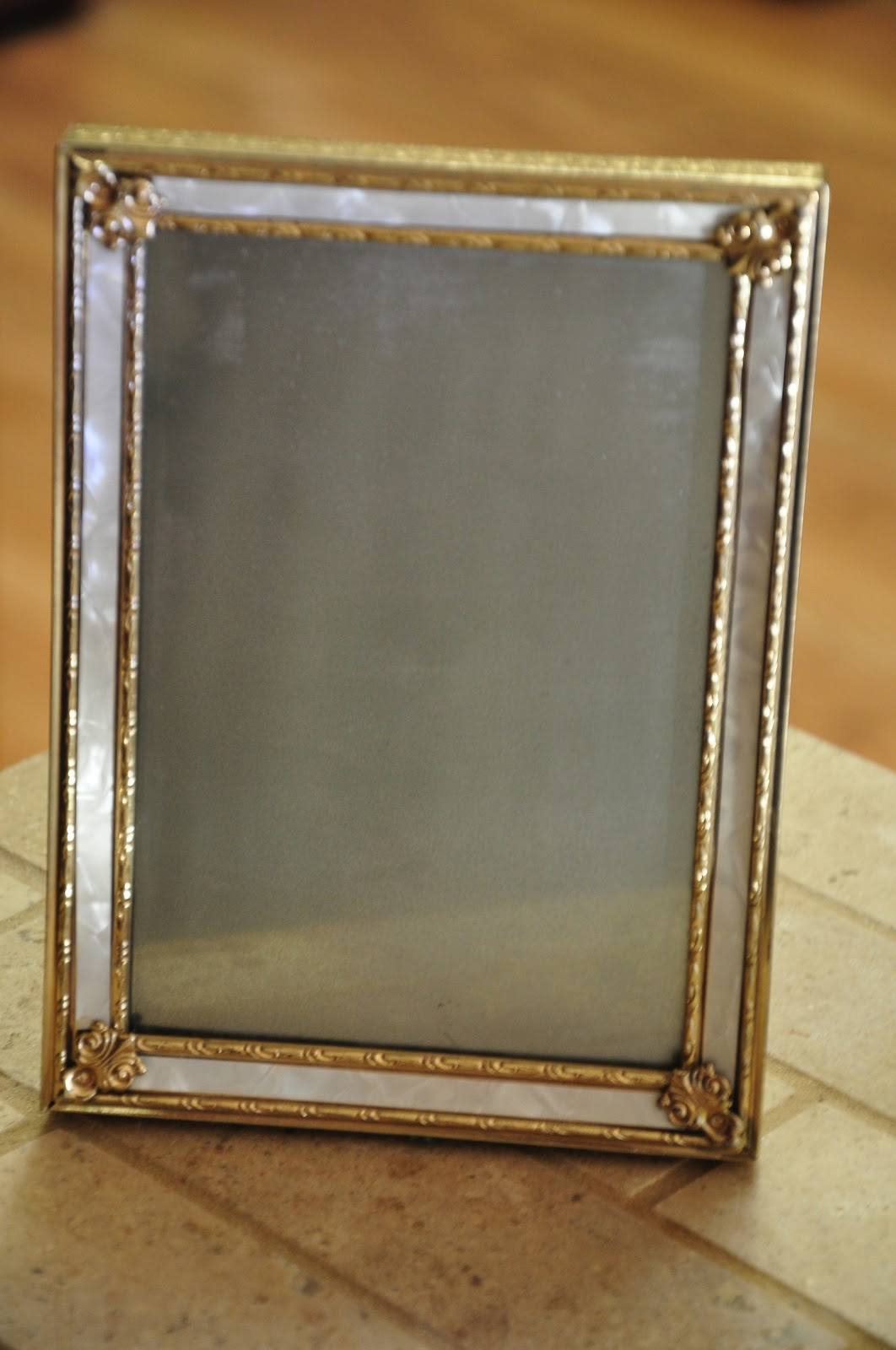 Swoon studios musings diy monday krylon looking glass for Looking mirror