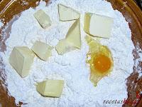 Pan de Jamón-poniéndole la mantequilla y huevo