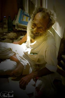 """A Beggar clicked by """"Isha Trivedi"""""""