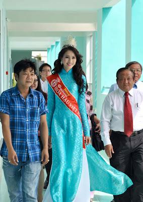 Hoa hau Thu Thao 2012
