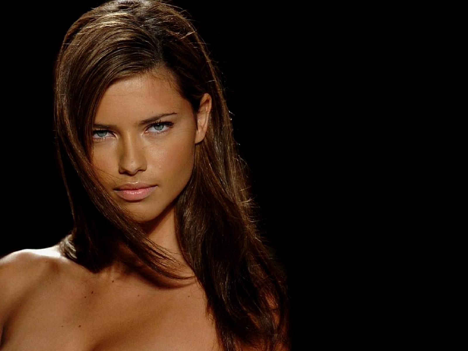 Secret Angel Adriana Lima