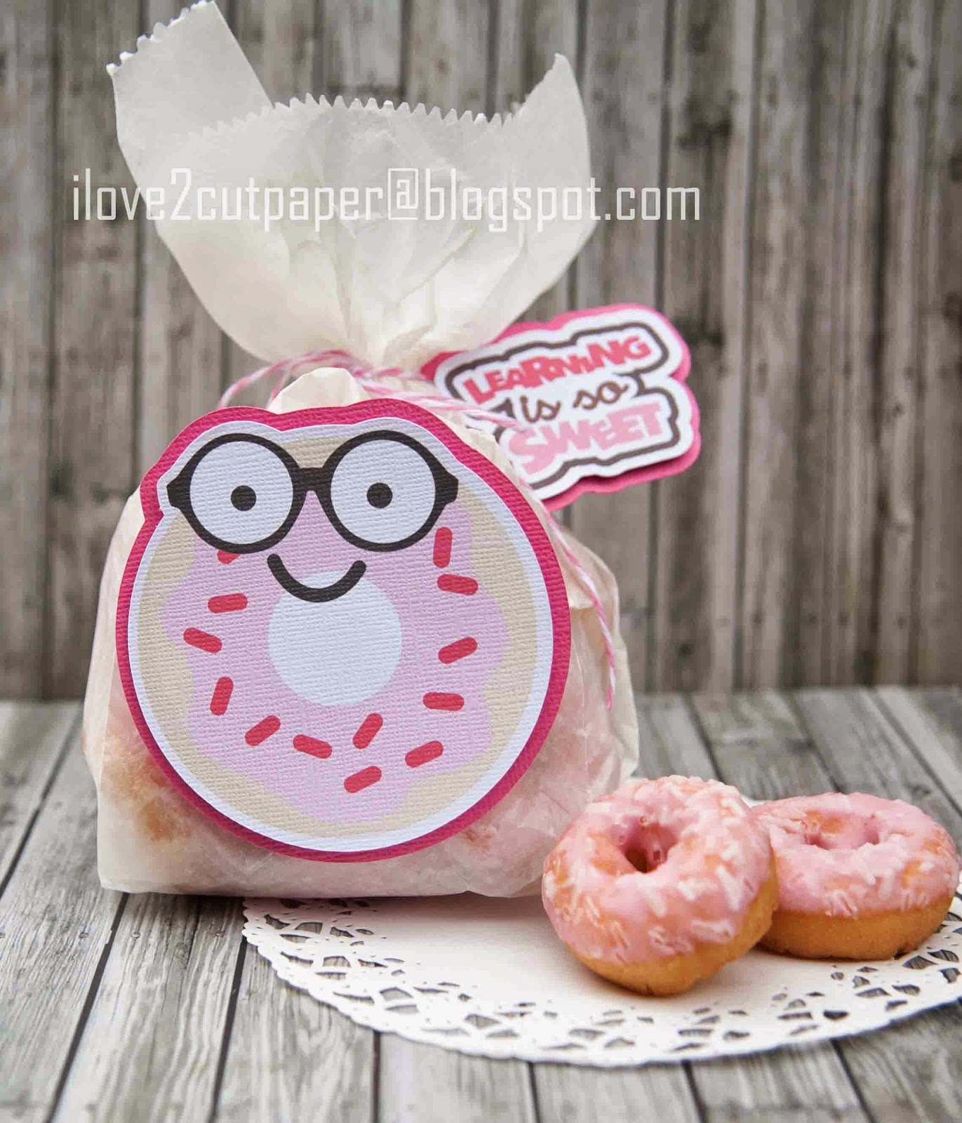 Back to school, doughnut gift bag