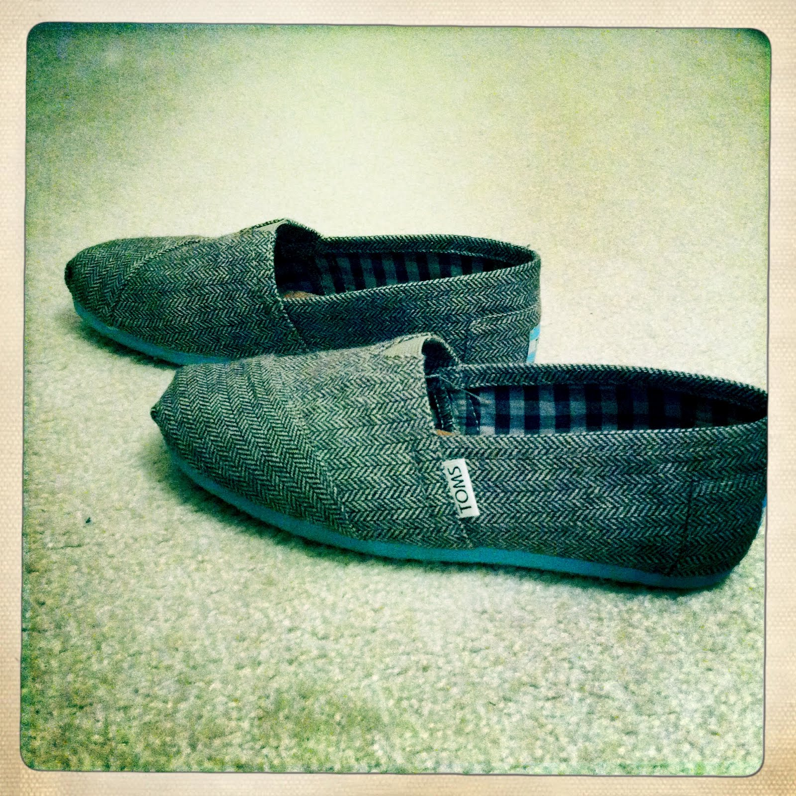 Dec 11, · What stores sells TOMS shoes? The holidays are around the corner & best friend has been wanting the, for a while to where it is getting to a point where it's annoying. ashamedphilippines.ml: Resolved.