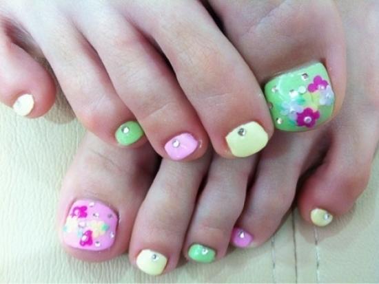 Cool Toe Nail Art Designs 2012 World Of Fashion