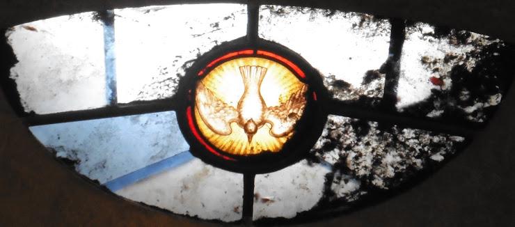 Kerkraam in de Eglise Notre Dame te Revel aan het pelgrimspad van de Via Tolosana