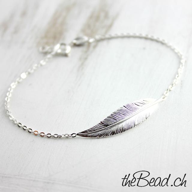 tolles Silber Damenarmband Geschenkidee Silberfeder Armband von theBead.ch