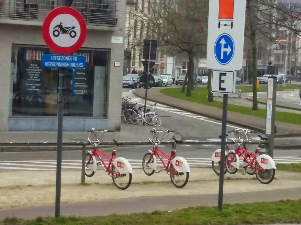 Persewaan sepeda untuk keliling di Antwerp