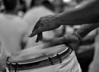 Imagem que se refere ao samba Zé Tambozeiro, de Candeia