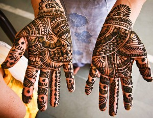 Mehndi Hands Wallpapers : News of pakistan world business sports columns and poltical talk