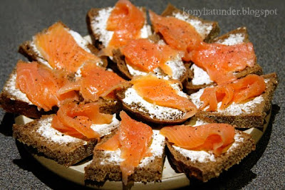 smoked_salmon_bites