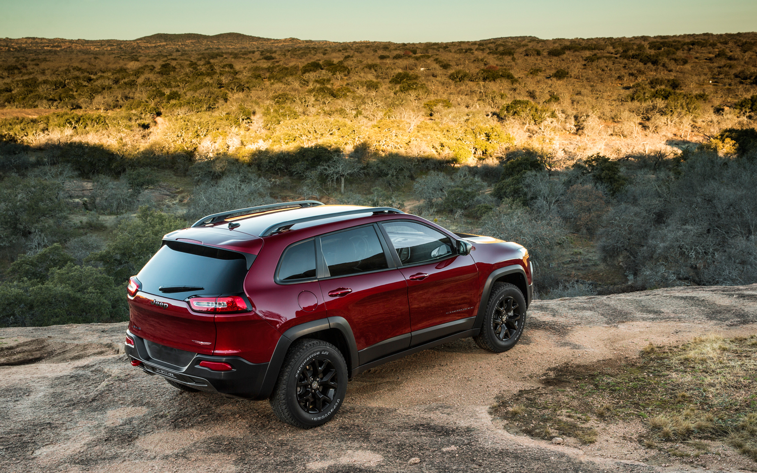first look 2014 jeep cherokee new cars reviews. Cars Review. Best American Auto & Cars Review