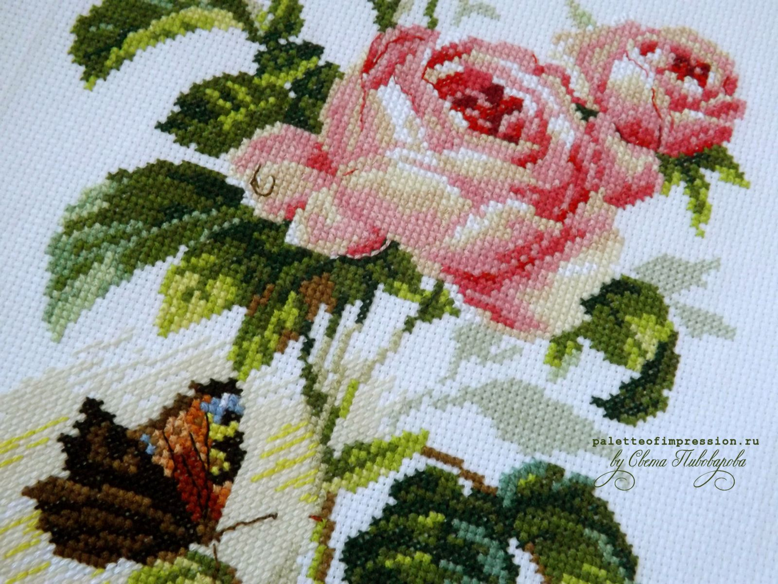 """Роза и бабочка от """"Алисы"""". Вышивка крестом. Полукрест, крест, бэкстич."""