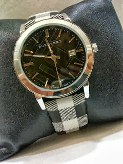 Jam Tangan Burberry Classic Leather SS