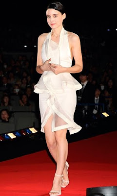 Rooney Mara - Givenchy dress