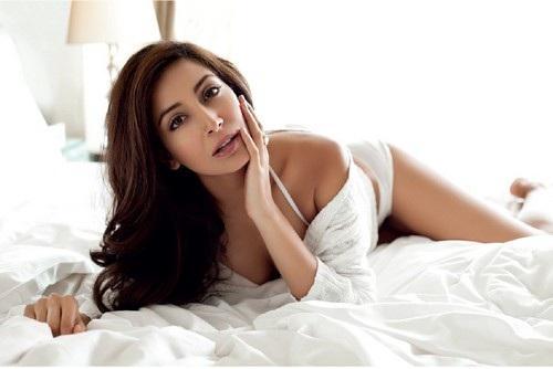 Monica Dogra hot bikini stills