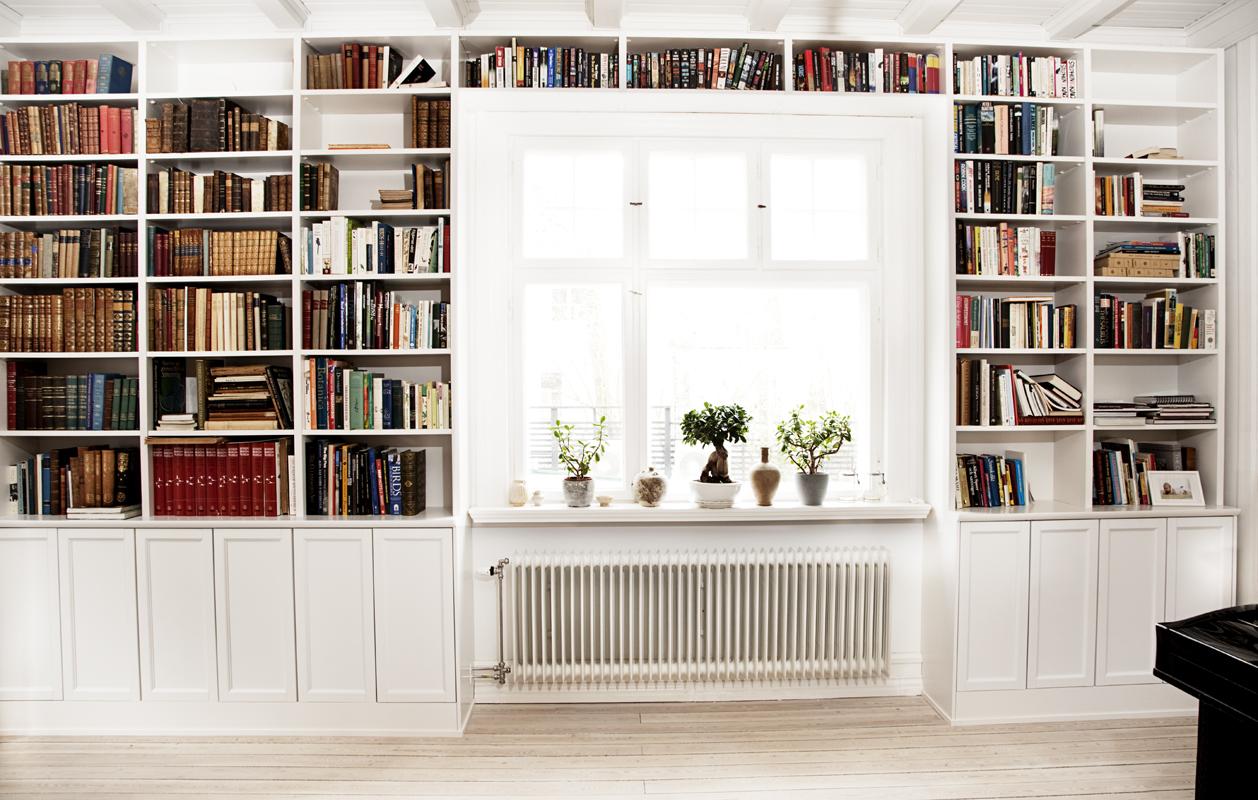 Holfvan Platsbyggd bokhylla