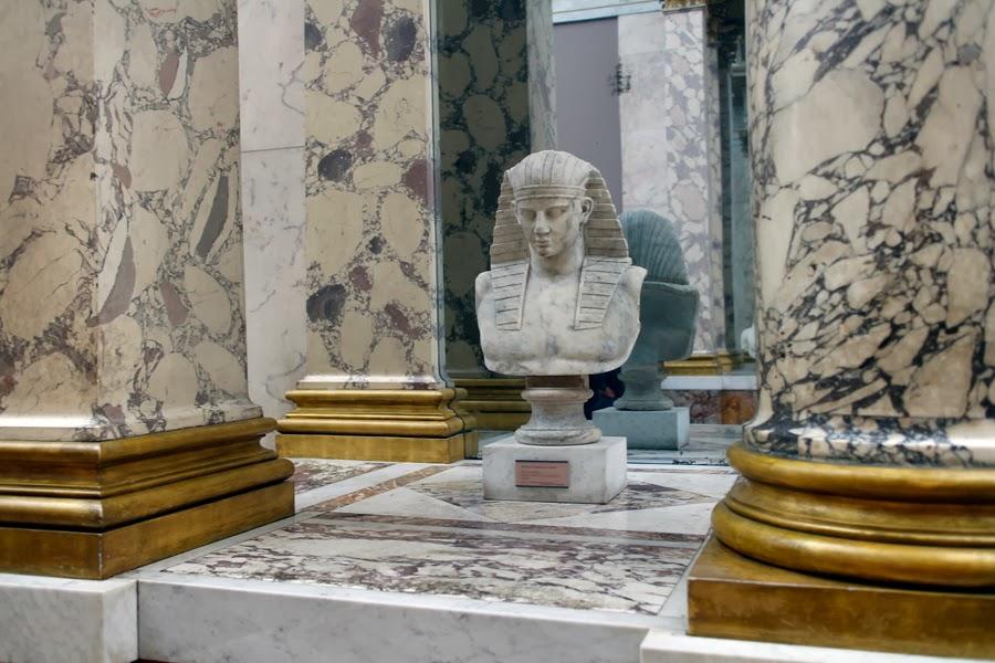 Paris louvre escalier mollien galerie michel ange for Salon o d ange saint georges des gardes