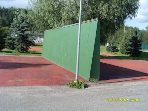 Tennisseiniä saisi olla useammalla urheilukentällä ja tenniskenttien vieressä kuin mitä nyt on