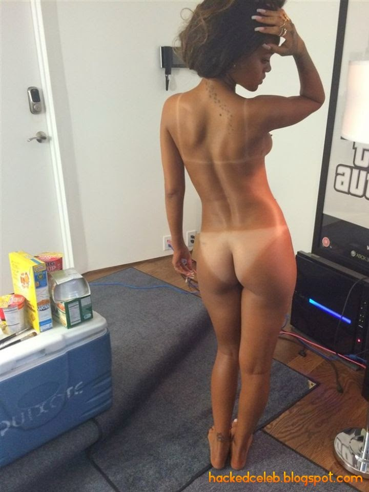 Rihanna Nude Pics Leaked - Complete Collection
