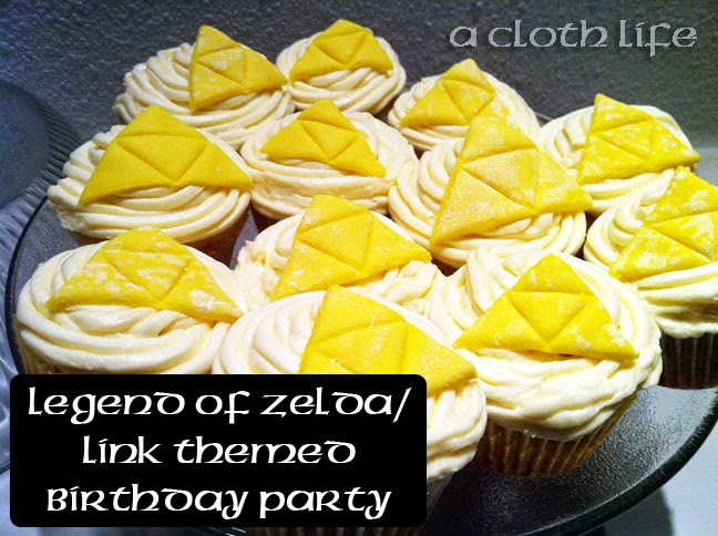Legend of Zelda/ Link themed birthday party: triforce cupcakes