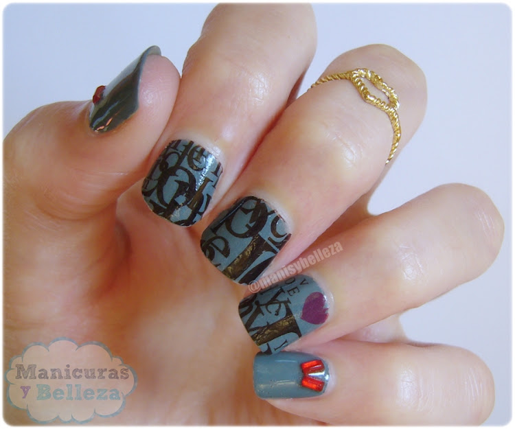 Manicura gris Uñas decoradas con letras Nail art grey with letters